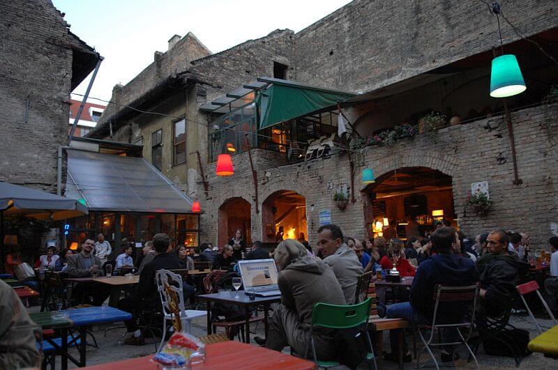 Ruin Bar - Βουδαπέστη