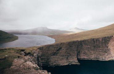 Νησιά Φερόες Cliffs